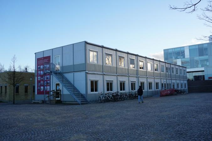 校內有不少這種貨櫃屋,可能因應Transforming DTU而興建作臨時教學樓